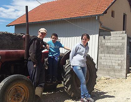 http://www.srbizasrbe.org/wp-content/themes/szs-theme/images/Hercegovina/2016/Cvijetic/c1.jpg