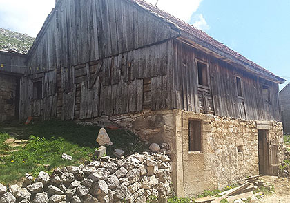 https://www.srbizasrbe.org/wp-content/themes/szs-theme/images/Hercegovina/2016/Cvijetic/c9.jpg