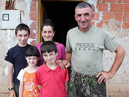 https://www.srbizasrbe.org/wp-content/themes/szs-theme/images/Hercegovina/2016/Nenadic/nenadici-11.JPG