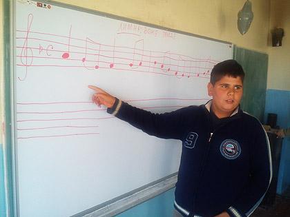 Стигле школске табле на Косово