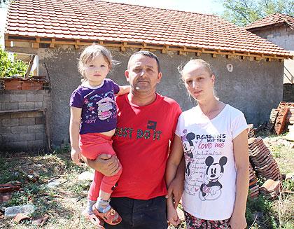 Нов кров на кући Казића из Ораховца