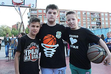 https://www.srbizasrbe.org/wp-content/themes/szs-theme/images/Kosmet/2017/Trojkaizbloka/treca-sreca-u-srcu-srbije-2.jpg