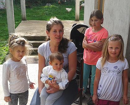 Испорука помоћи породицама у Крајини