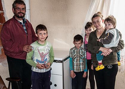 http://www.srbizasrbe.org/wp-content/themes/szs-theme/images/Krajina/2014/Vaskrs/calici2.jpg