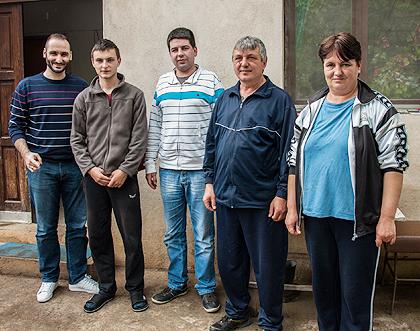 http://www.srbizasrbe.org/wp-content/themes/szs-theme/images/Krajina/2014/Vaskrs/modrinic.jpg