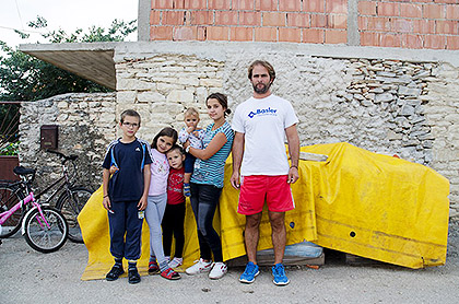 http://www.srbizasrbe.org/wp-content/themes/szs-theme/images/Krajina/2015/septembar/DSC_2174.jpg