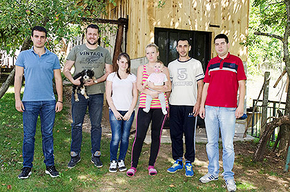 http://www.srbizasrbe.org/wp-content/themes/szs-theme/images/Krajina/2015/septembar/DSC_2480.jpg