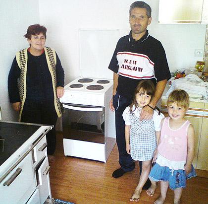 Милановићима шпорет и замрзивач
