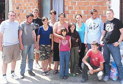 Срби за Србе под Козаром