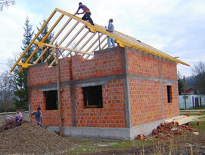 Изградња кућа породицама у Лопарама
