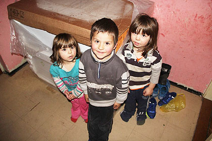 http://www.srbizasrbe.org/wp-content/themes/szs-theme/images/RepublikaSrpska/2015/bijeljina/lucic2.jpg