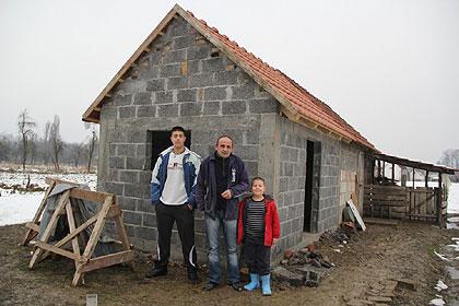 http://www.srbizasrbe.org/wp-content/themes/szs-theme/images/RepublikaSrpska/2015/bijeljina/pepic1.jpg