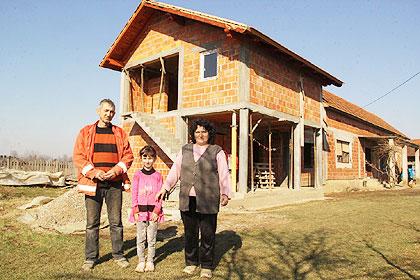 http://www.srbizasrbe.org/wp-content/themes/szs-theme/images/RepublikaSrpska/2015/bijeljina/stevanovic1.jpg