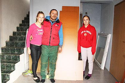 http://www.srbizasrbe.org/wp-content/themes/szs-theme/images/RepublikaSrpska/2015/bijeljina/tomanic1.jpg