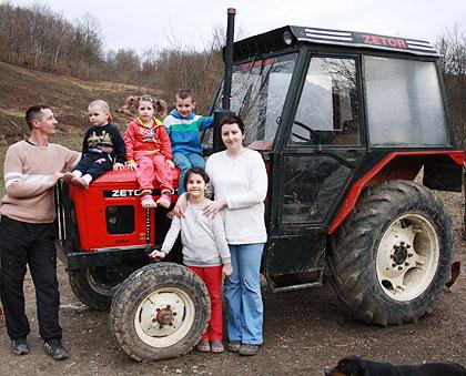 Трактор за Давидовиће код Приједора