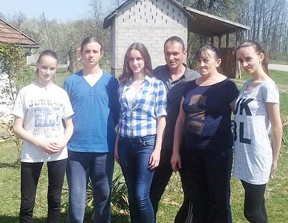 СЗС у посети Поповићима из Челинца