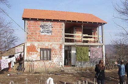 Наставак доградње куће Николићима