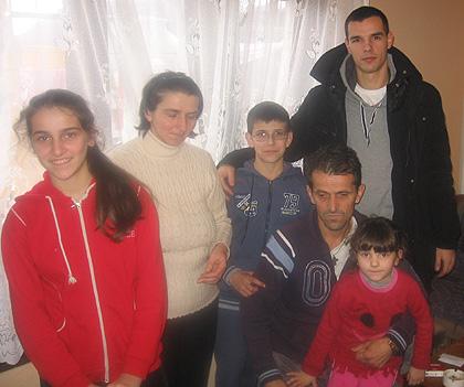СЗС помогли породицу Бујак