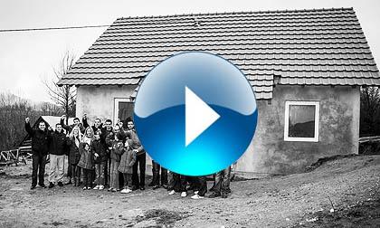 Филм о усељењу Баловића у СЗС кућу