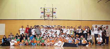 http://www.srbizasrbe.org/wp-content/themes/szs-theme/images/Srbija/2013/trojkaizbloka/su/subotica14.jpg