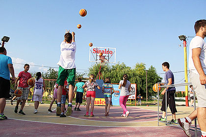 http://www.srbizasrbe.org/wp-content/themes/szs-theme/images/Srbija/2014/Lacarak/lac3.jpg