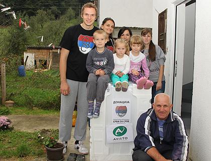 СЗС помогли поплављенима у Крупњу