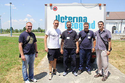 https://www.srbizasrbe.org/wp-content/themes/szs-theme/images/Srbija/2014/POPLAVE/dezinfekcija/dezinfekcija%20%2810%29.jpg