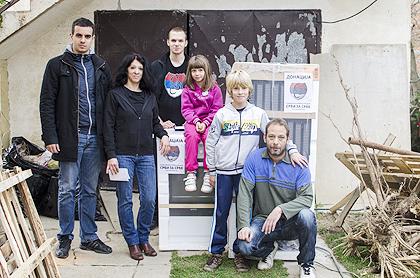 https://www.srbizasrbe.org/wp-content/themes/szs-theme/images/Srbija/2014/POPLAVE/obrenovac2/obrenovac%20%2810%29.jpg