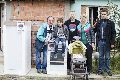 https://www.srbizasrbe.org/wp-content/themes/szs-theme/images/Srbija/2014/POPLAVE/obrenovac2/obrenovac%20%283%29.jpg