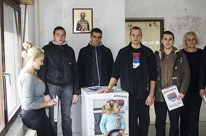 http://www.srbizasrbe.org/wp-content/themes/szs-theme/images/Srbija/2014/POPLAVE/obrenovac2/obrenovac%20%281%29.jpg