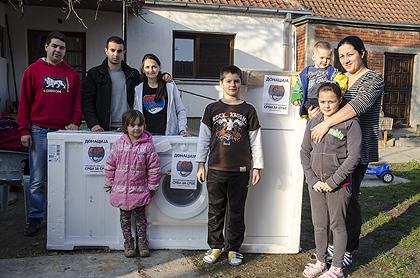 http://www.srbizasrbe.org/wp-content/themes/szs-theme/images/Srbija/2014/POPLAVE/obrenovac2/obrenovac%20%2815%29.jpg