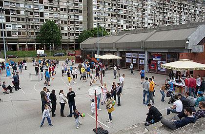 http://www.srbizasrbe.org/wp-content/themes/szs-theme/images/Srbija/2014/blok23/nbg5.jpg