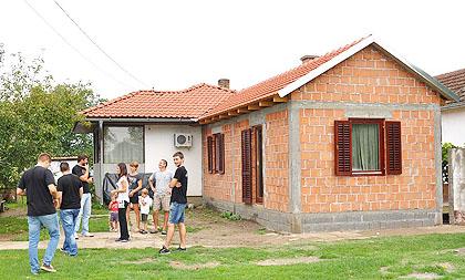 http://www.srbizasrbe.org/wp-content/themes/szs-theme/images/Srbija/2014/djurici/djuric1.jpg