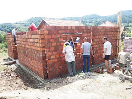 Помозимо изградњу куће за Илиће