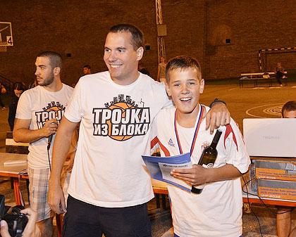 http://www.srbizasrbe.org/wp-content/themes/szs-theme/images/Srbija/2014/kalemegdan/kalis%20%2811%29.jpg