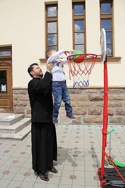 http://www.srbizasrbe.org/wp-content/themes/szs-theme/images/Srbija/2014/milanovac/turnir%20%283%29.jpg