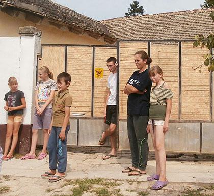 http://www.srbizasrbe.org/wp-content/themes/szs-theme/images/Srbija/2014/novakovici/novakovici%20%2820%29.jpg