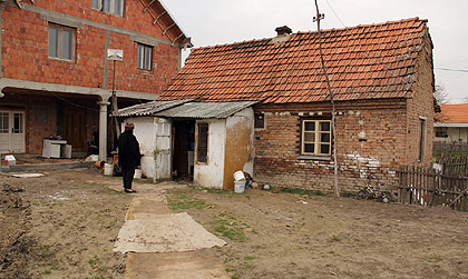 http://www.srbizasrbe.org/wp-content/themes/szs-theme/images/Srbija/2014/peranovic/peranovic%20%288%29.jpg