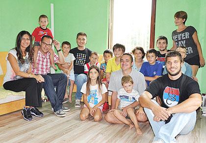 https://www.srbizasrbe.org/wp-content/themes/szs-theme/images/Srbija/2014/slika1.jpg
