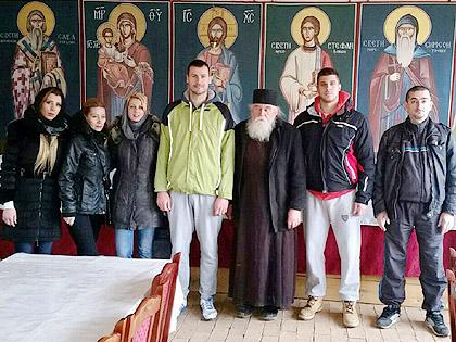 Уручена помоћ манастиру Сланци