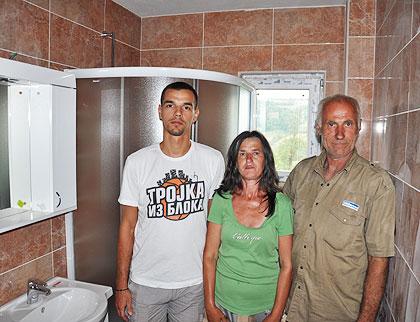 Купатило и ламинат за породицу Илић