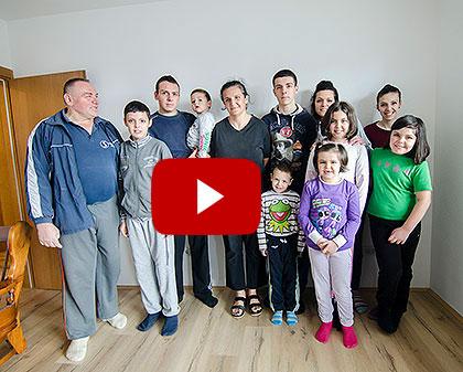 Видео: Дограђена кућа за 13 Вранића