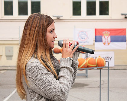http://www.srbizasrbe.org/wp-content/themes/szs-theme/images/Srbija/2015/Zemun/trojka-iz-bloka-11.jpg