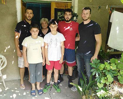 СЗС у посети Крстићима из Бољевца