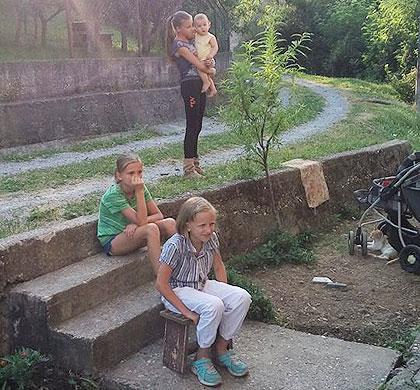 У посети Миловановићима из Лознице