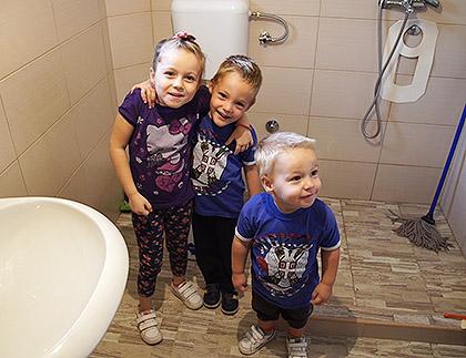 Николићима изграђено купатило