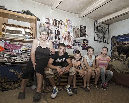 http://www.srbizasrbe.org/wp-content/themes/szs-theme/images/Srbija/2016/StrajnicKac/strajnic01.jpg