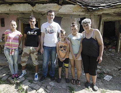 СЗС у посети Страјнићима из Каћа