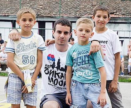 http://www.srbizasrbe.org/wp-content/themes/szs-theme/images/Srbija/2016/TrojkaIzBloka/SPalanka/sp3.jpg