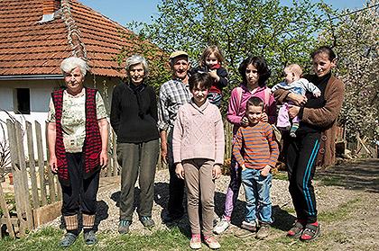 У посети Поповићима из Лознице